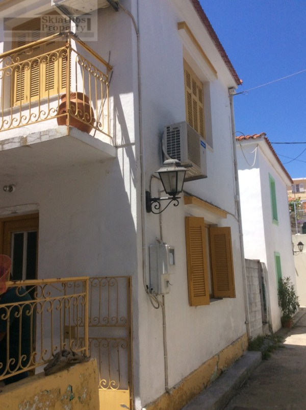 OLD TOWN HOUSE IN THE CENTER OF SKIATHOS