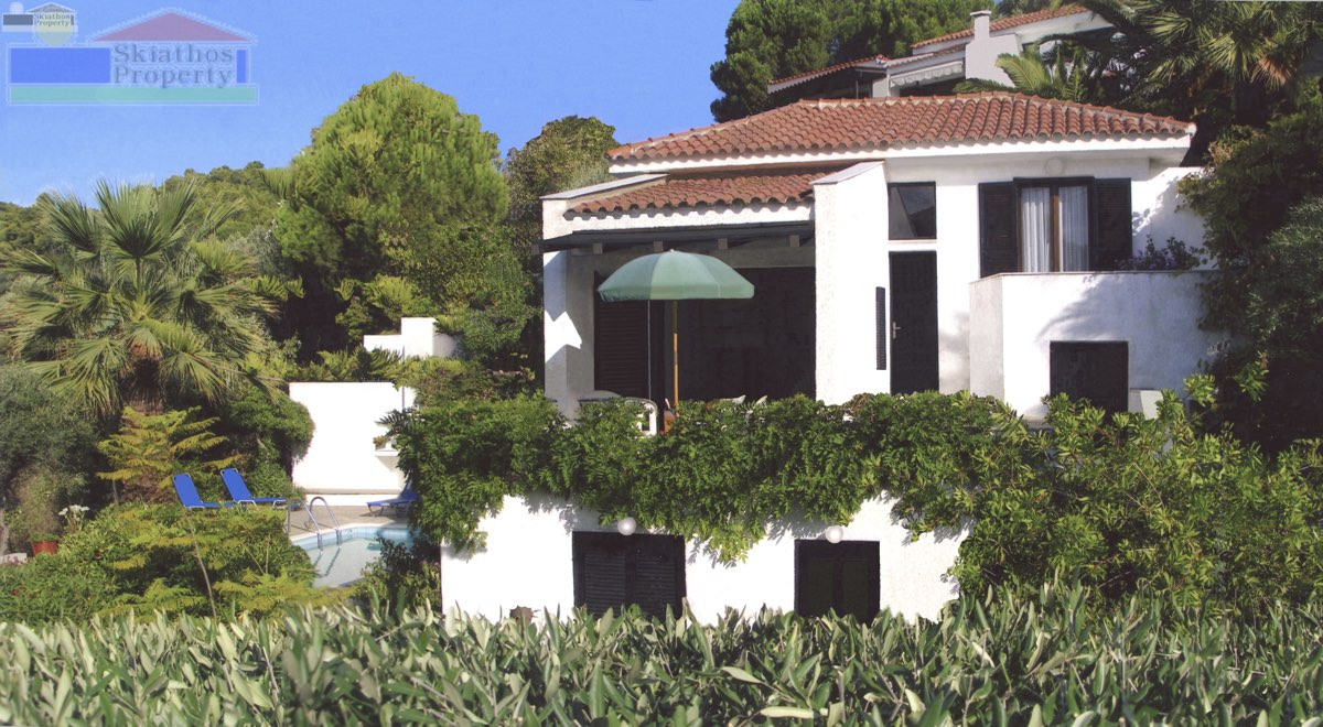 VILLA ITHEA AT SKLITHRI WITH VIEWS AND 7 MINUTES WALK FROM THE BEACH