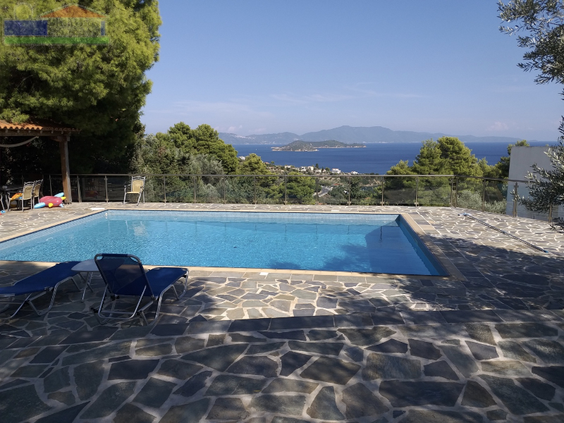 VERY PRIVATE VILLA WITH SWIMMING POOL AND WONDERFUL SEA VIEWS