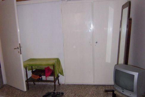 594 - 1st Apt - Bedroom 1b