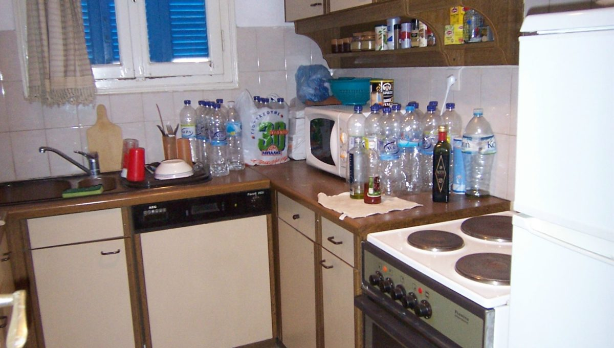 594 - 1st Apt - Kitchen