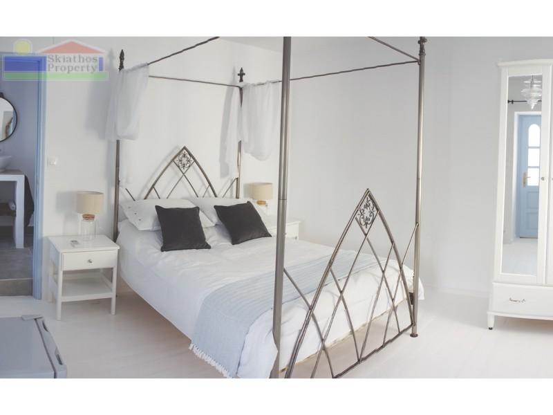 Bedroom 118
