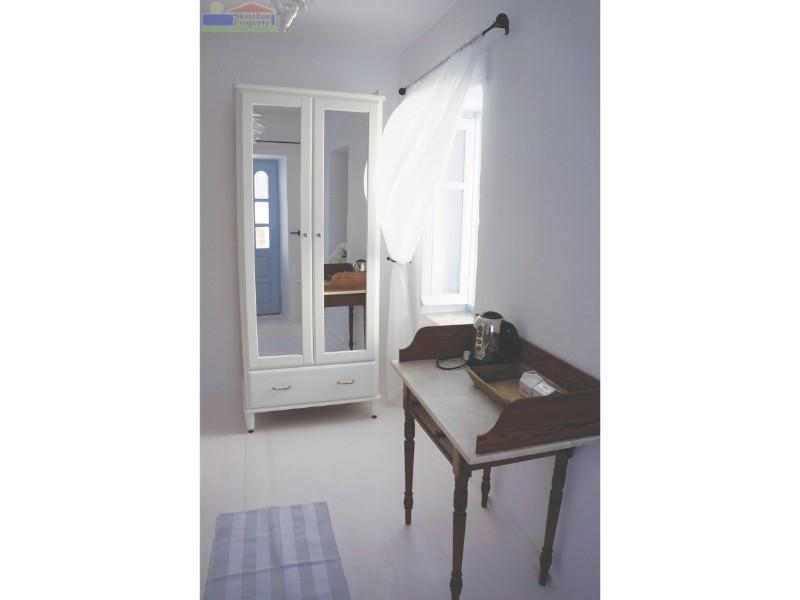 Bedroom07