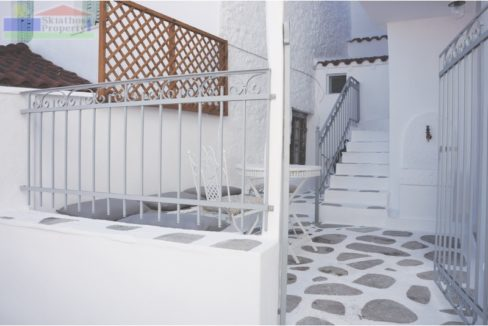 Courtyard area15