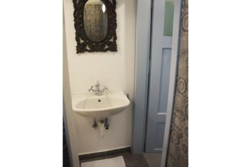 Downstairs wetroom05