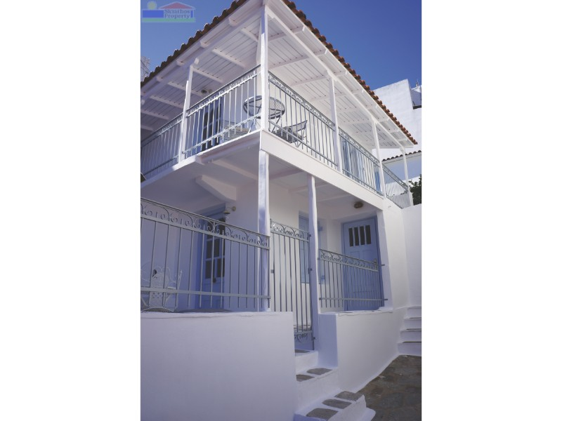 House front13