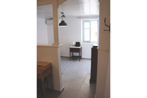 Lounge area 203