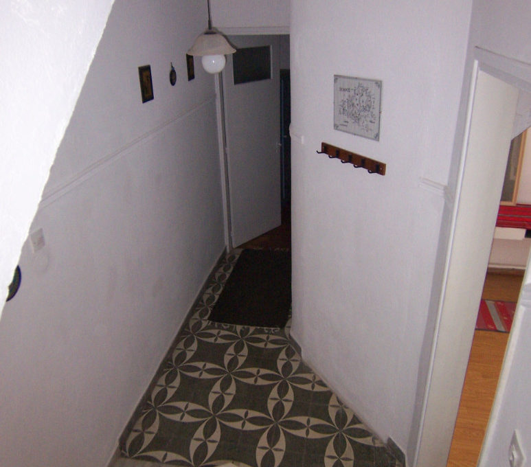 662.Stairway