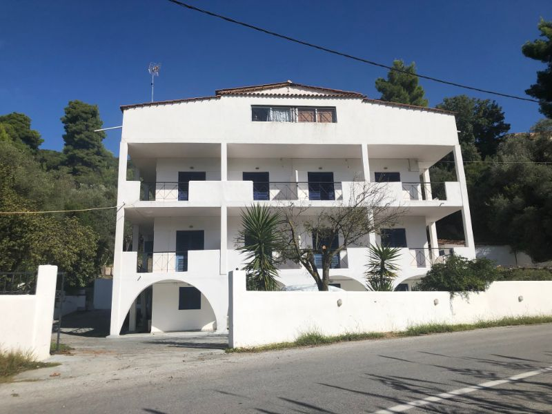 VILLA DIAMANTI – BUSINESS FOR SALE 5 MINUTES AWAY FROM THE BEACH