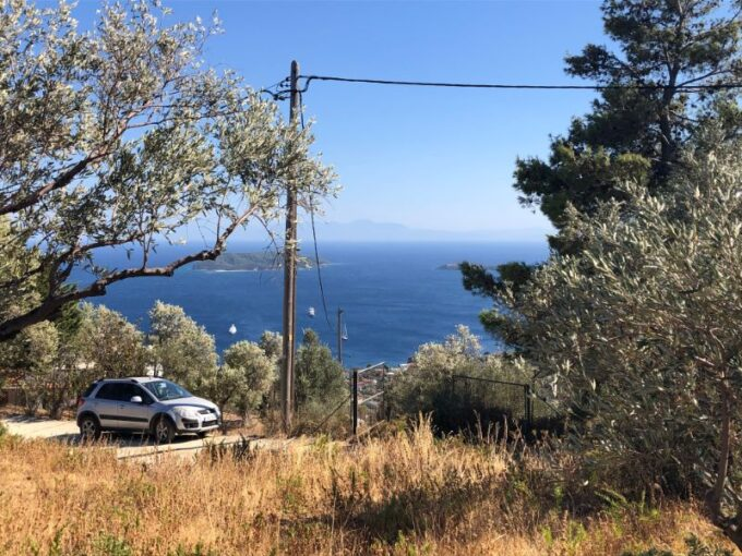 Two amazing plots for sale with breathtaking views to the sea